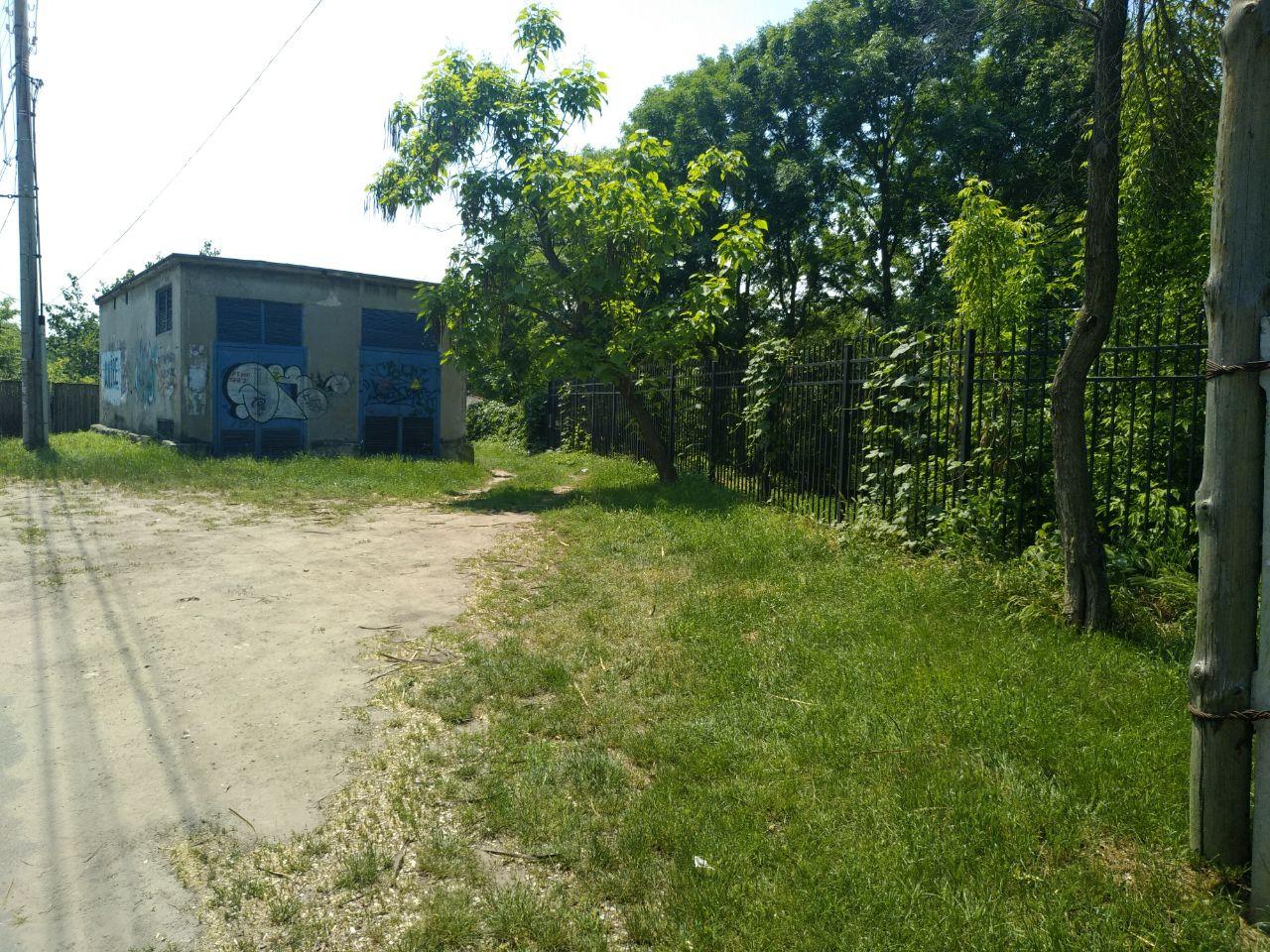 Dendrarium, intrarea de pe Șciusev. La fel, absentă.