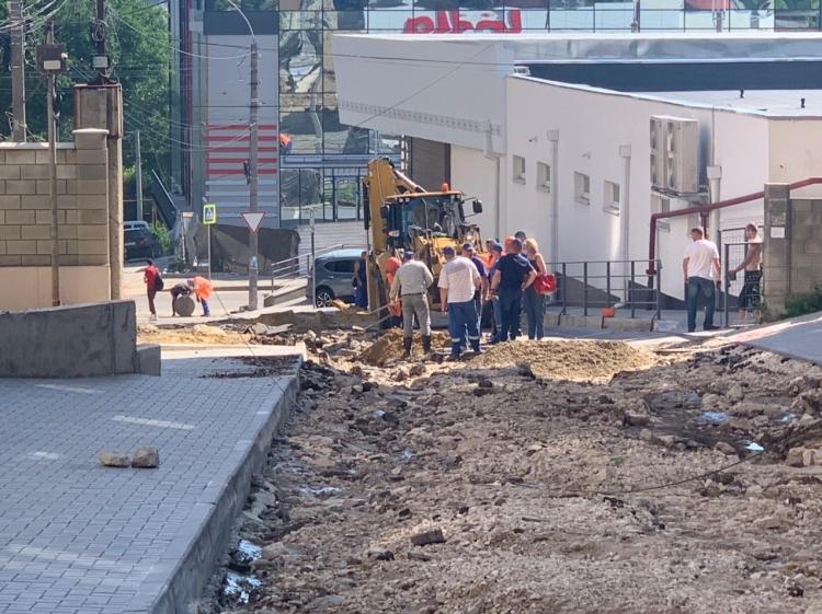 Str. Dante Alighieri după ploile din iunie 2020 / sursa: chisinau.md