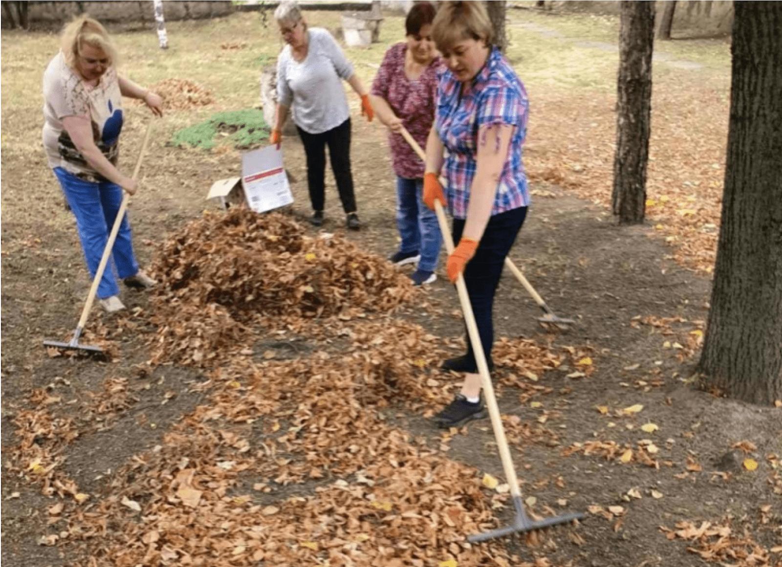 """""""Marea Curățenie"""" din 26 septembrie, cu tot cu frunze. Sursă: chisinau.md"""