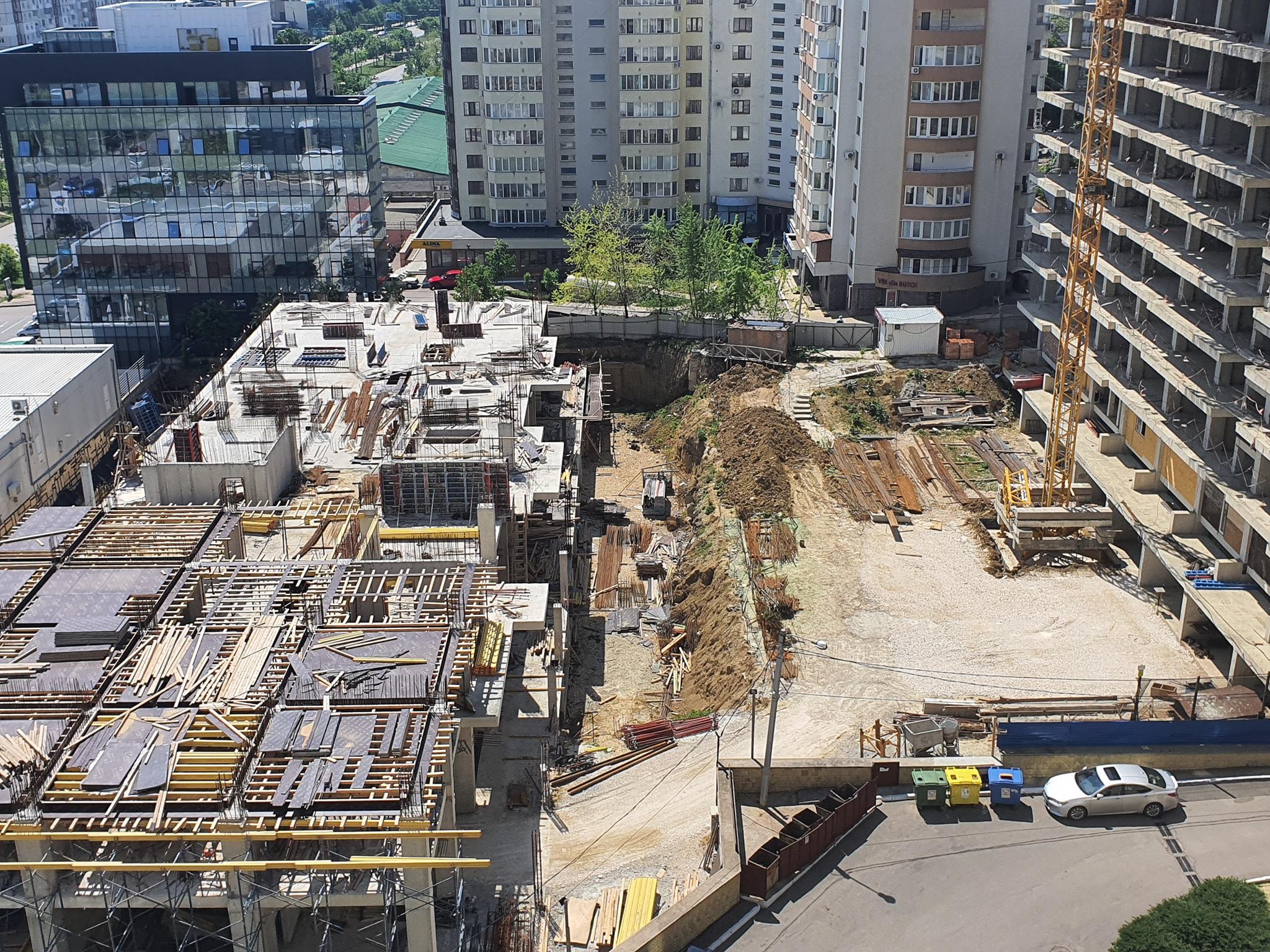 Șantierul în septembrie 2020. Sursa: https://www.facebook.com/groups/pentru.chisinau