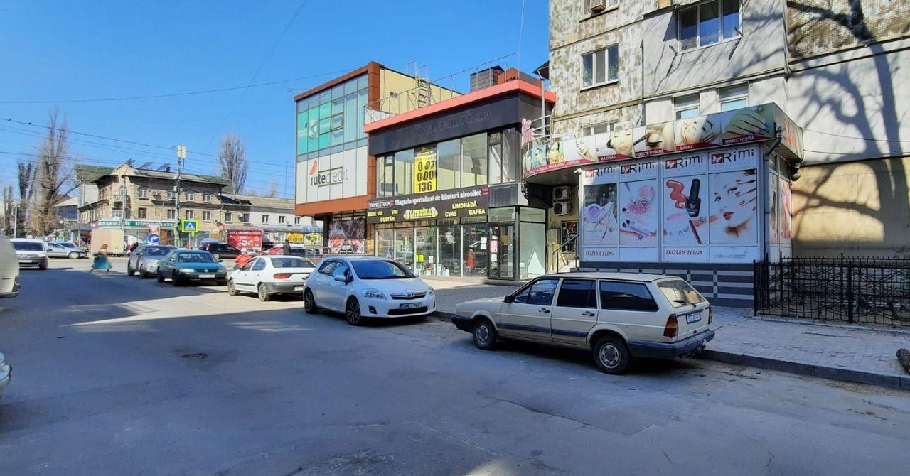 Centru comercial aflat pe str. Ismail asociat cu Comghera SRL a lui Pavel Gherasimenco. Sursă: 999.md